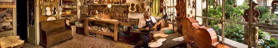 Cremona - Bottega di liutaio